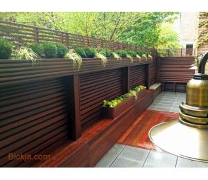 Wooden gates And fence | picket fence Abu Dhabi | Creative Fences manufacturer In uae