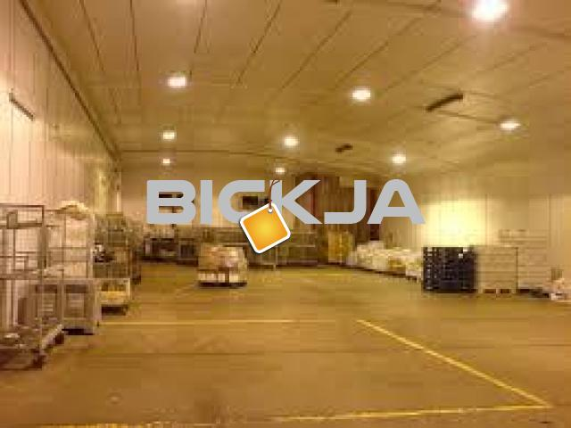 Brand New Warehouse Deep Cleaning Services in Al Garhoud-043558608 - 1/3