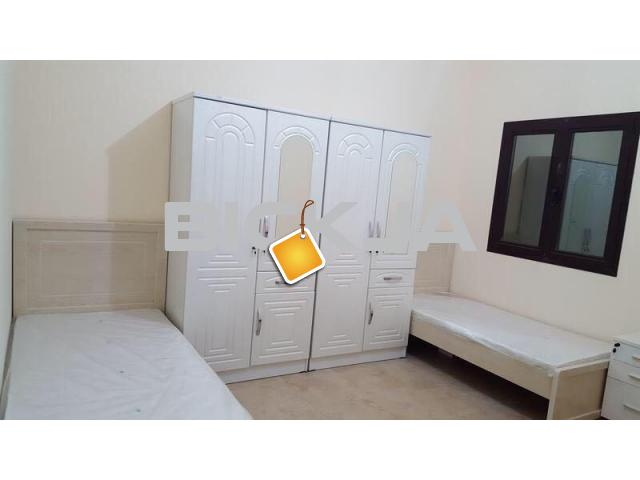 Bed Space for Executive Male in DSO near choithram supermark - 1/4