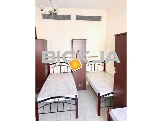 FULLY FURNISHED MALE BED SPACE FOR INDIAN PAKISTANI EXECUTIVES IN INTERNATIONAL CITY 800/MONTH - 1/4