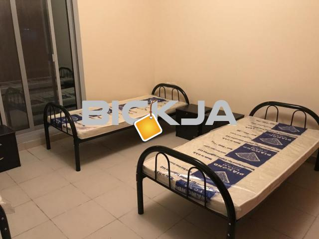 Top quality bed space in Al Barsha 1 near Mall of Emirates with Parking Available - 1/2