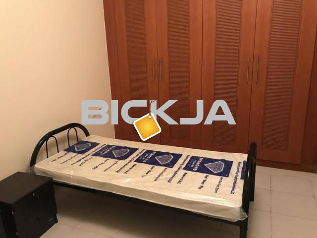 Top quality bed space in Al Barsha 1 near Mall of Emirates with Parking Available - 2/2