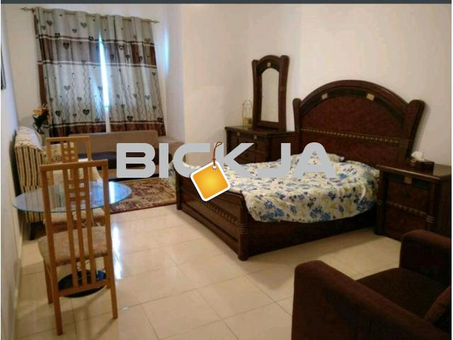 DEAL OF THE DAY..BIG SIZE MASTER BEDROOM WITH ATTACHED BATHROOM AVAILABLE JUST IN 2000.. HURRY UP - 1/4