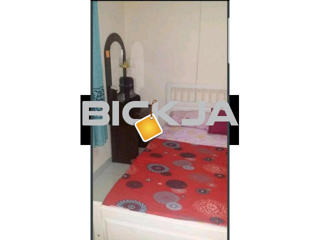 DEAL OF THE DAY..BIG SIZE MASTER BEDROOM WITH ATTACHED BATHROOM AVAILABLE JUST IN 2000.. HURRY UP - 2/4