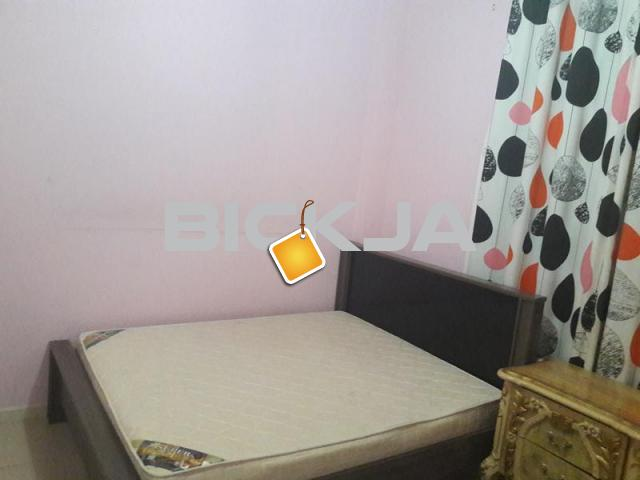 Fully furnished tidy room available in sharja al nahda - 1/4