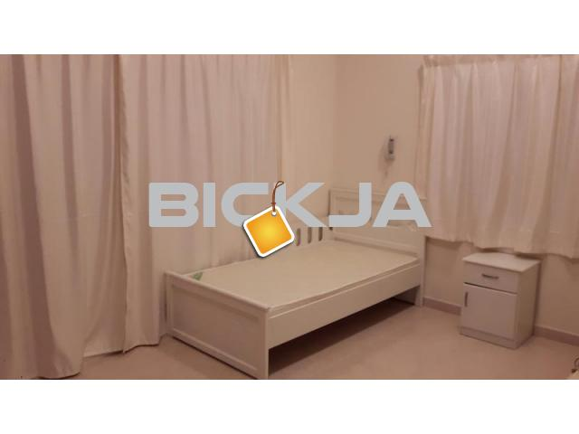 Furnished room ladies only - 2/4