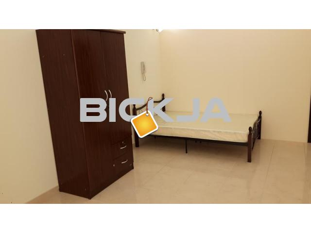 Furnished room ladies only - 3/4