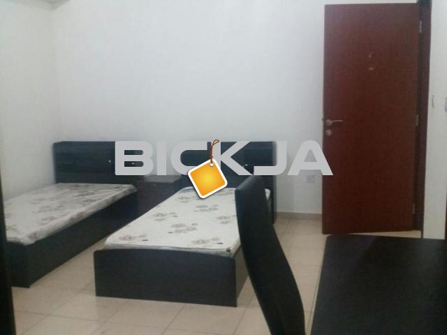 Bed space in marina and jbr for female - 1/3