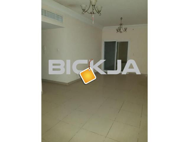 FULLY FURNISHED ROOM WITH PRIVATE BATH ROOM DUBAI SHARJAH BORDER 2 MTS WKNG DIST TO RTA BUSSTOP - 2/3