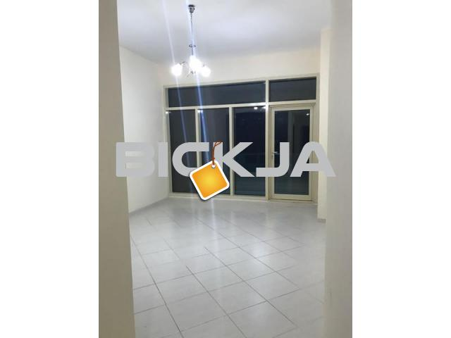 ROOM AND BED SPACE AVAILABLE FOR EXICUTIVE BACHLORS IN KARAMA - 1/1