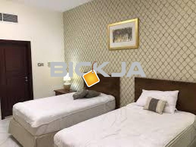 Furnished Master Room Available for couples or Bachelors - 1/3
