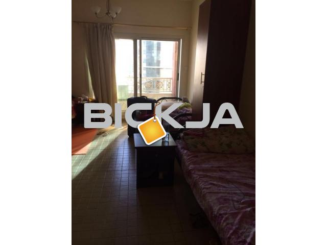 Bed space for GUYS in albarsha near to mall f emirates metro - 1/2