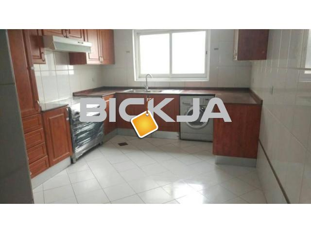 INDIAN EXECUTIVE BACHELORS FULLY FURNISHED INDIVIDUAL BED SPACE AVAILABLE NEAR KARAMA ADCB METRO - 2/3