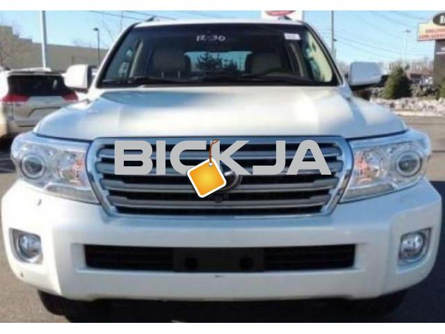 TOYOTA LAND CRUISER 2014, EXPAT OWNER WELL MAINTAINED - 1/4