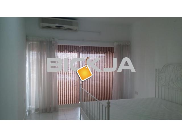 Spacious, furnished room with balcony near karama - 1/1