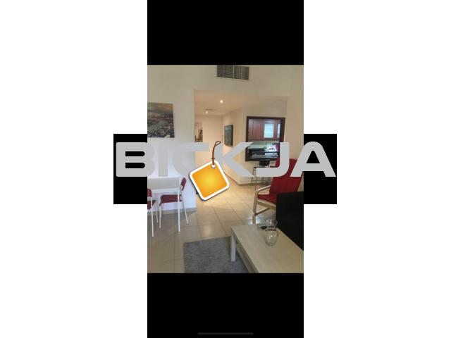 Room available in JBR with its own bathroom! - 2/2