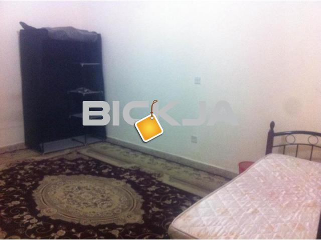 SeaView Big Furnished Bedroom for rent for non-cooking EXECUTIVE BACHELOR in central A/C Flat at TCA - 2/2