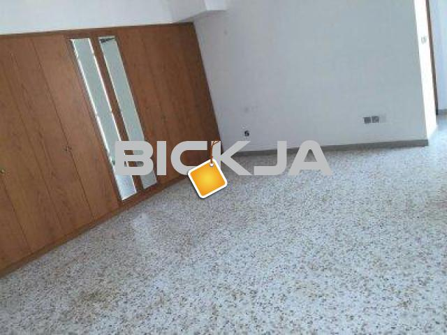 Master Room/Maids Room available in Hamdan st. back side of KFC and Electra st. - 1/2