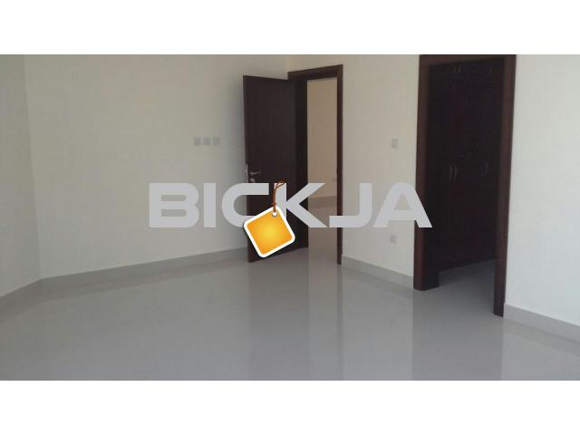 Master Room/Maids Room available in Hamdan st. back side of KFC and Electra st. - 2/2