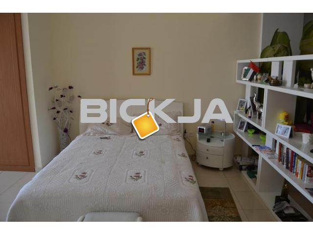 Bed Spaces for Russian speaking ladies next to Mall Metro! - 1/1