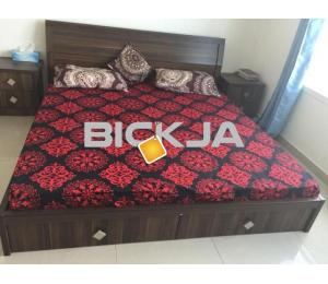 Rooms and Flats are available for monthly and annual basis