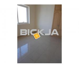 room with attached bath near marrybrown ADCB and Coop in electra stfor filipino in electra st