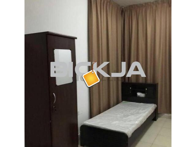 Clean  neat bed space for excutive bachalor in alkhor towers - 1/1