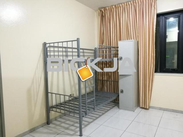 SOUTH INDIAN AND TAMIL MUSLIM EXECUTIVE BEDSPACE AVAILABLE - 1/1