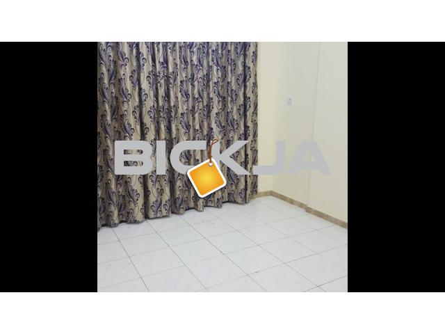 HUGE ROOM WITH BALCONY FOR RENT IN HAMDAN EMAX LULU FRESH - 1/1