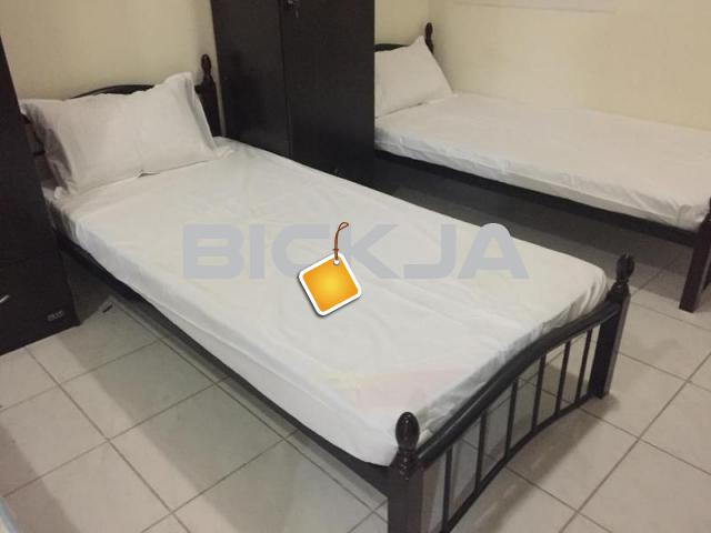Executive Bed Spaces For Male, Pakistani  Indian Muslims - 1/1