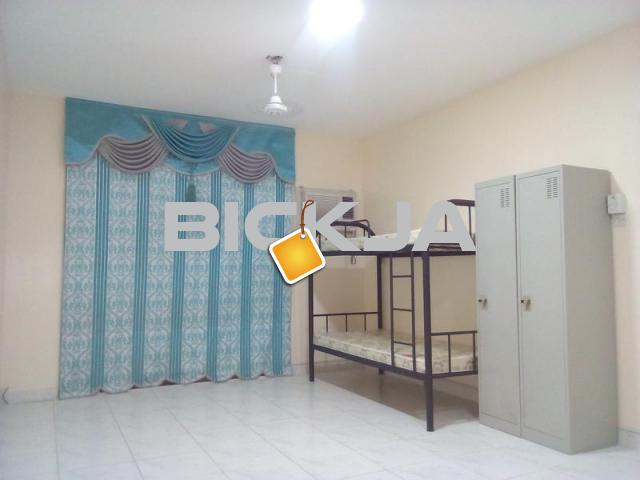 NEAT BED SPACES FOR GIRLS/BOYS IN DEIRA! FREE DEWA AND WIFI! - 1/1