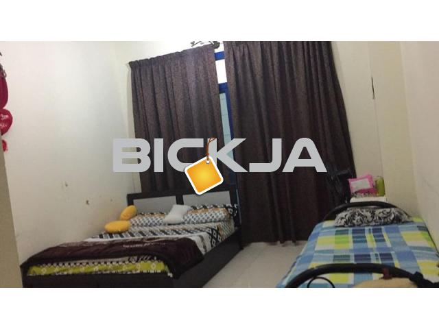 Master bedroom available for couple/ladies - 1/1