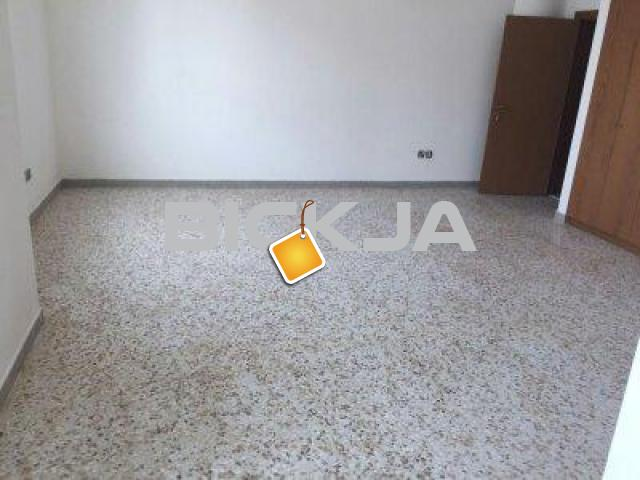 Regular Room available for Rent in Khalifa street  Europcar near to WTC - 1/1