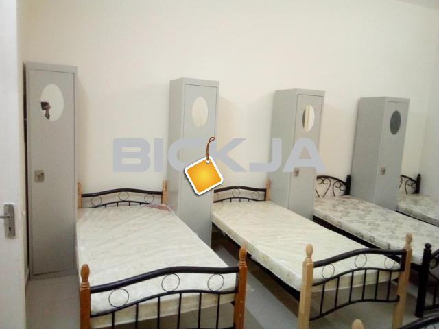 ROOM AND BEDSPACE (ALL ARE SINGLE BEDS) AVAILABLE IN BURDUBAI.NO COMMISSION. - 1/1