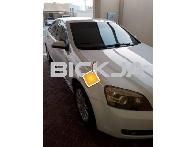 CHEVROLET CAPRICE ROYAL 2007 WHITE COLOR - 1/1