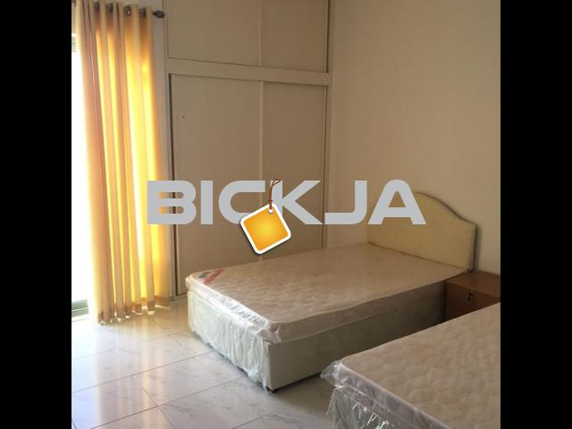 Bed Space in Sheikh Zayed  Road with Balcony - 1/1