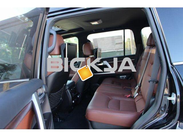 TOYOTA LAND CRUISER 2016 WITH RED SEAT - 3/4