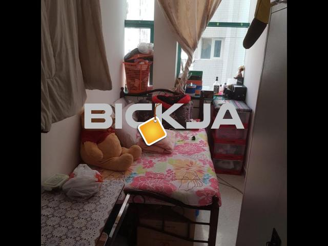 Nice partition full close like room good for couple - 1/1