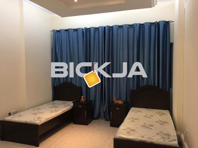 In Sheik Zayed Road - Rooms and Bed Spaces are Available for Executive Ladies only . - 1/1