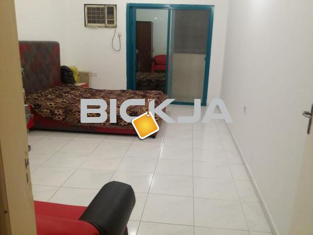 Furnished room for rent with balconny nd saperate  washroom - 1/1