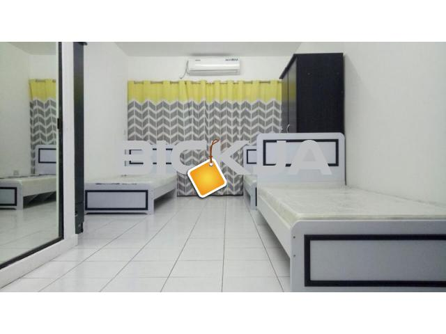 EXECUTIVE INDIAN BACHELORS FULLY FURNISHED SINGLE BED SPACE FOR IMMEDIATE OCCUPY IN KARAMA - 1/1