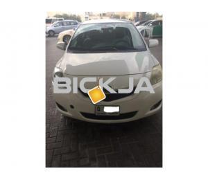 Toyota Yaris 2010, for urgent sale
