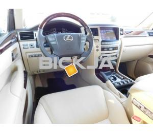 LEXUS LX 570 2014, FULL OPTION, FAMILY SIZE CAR