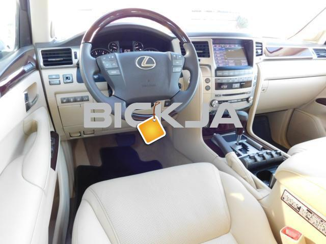 LEXUS LX 570 2014, NO ACCIDENT, WITH FULL WARRANTY - 2/4