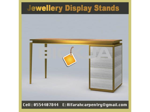 Wooden Display Stands Jumeirah | Jewelry Showcase for Events | Rent And Sell Display Stands Dubai - 3/4