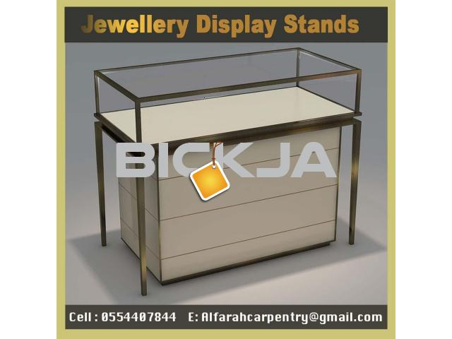 Wooden Display Stands Jumeirah | Jewelry Showcase for Events | Rent And Sell Display Stands Dubai - 4/4
