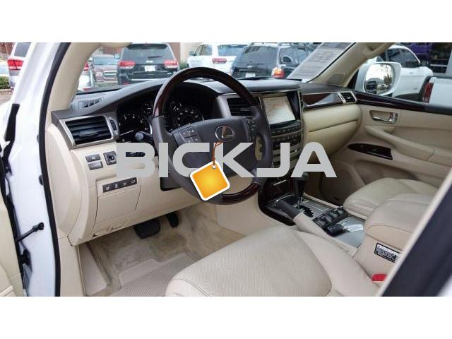 WHITE LEXUS LX 570 2015 AT AFFORDABLE PRICE - 2/4