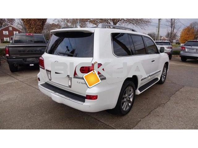 WHITE LEXUS LX 570 2015 AT AFFORDABLE PRICE - 3/4