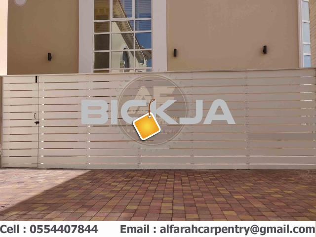 Wall Attached Wooden Fence Dubai | Home Privacy Fence | Garden Fence Dubai - 1/4